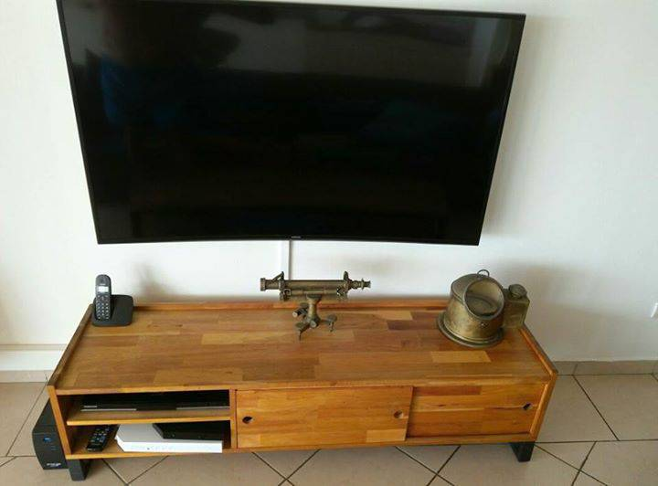meuble tv bois massif et acier style loft annonce meubles et d coration faubourg sch lcher. Black Bedroom Furniture Sets. Home Design Ideas