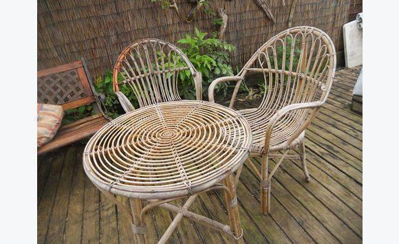 un salon de jardin en bambou - Mobilier et équipement d\'extérieur ...