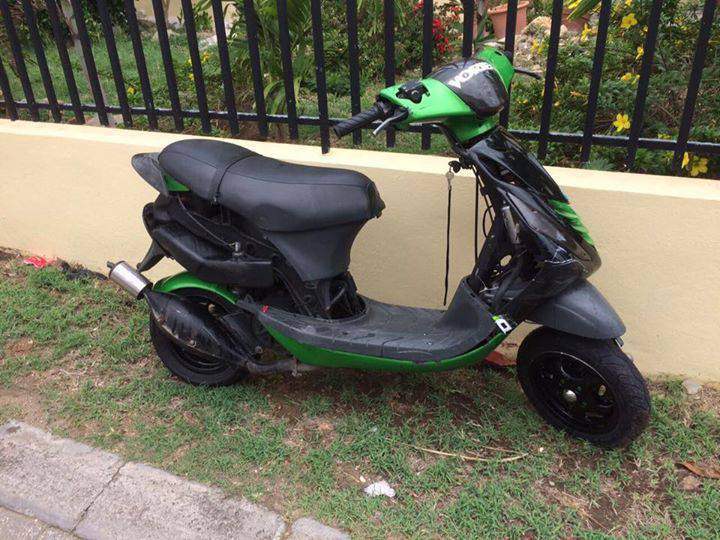 zip annonce motos scooter quad belv d re sint maarten. Black Bedroom Furniture Sets. Home Design Ideas