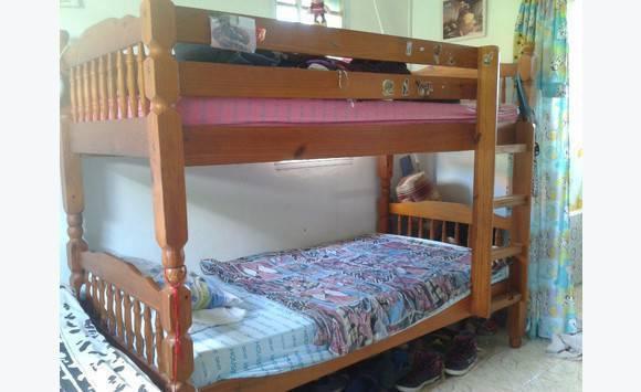 lit superpos enfant et grand annonce meubles et d coration mont vernon saint martin. Black Bedroom Furniture Sets. Home Design Ideas