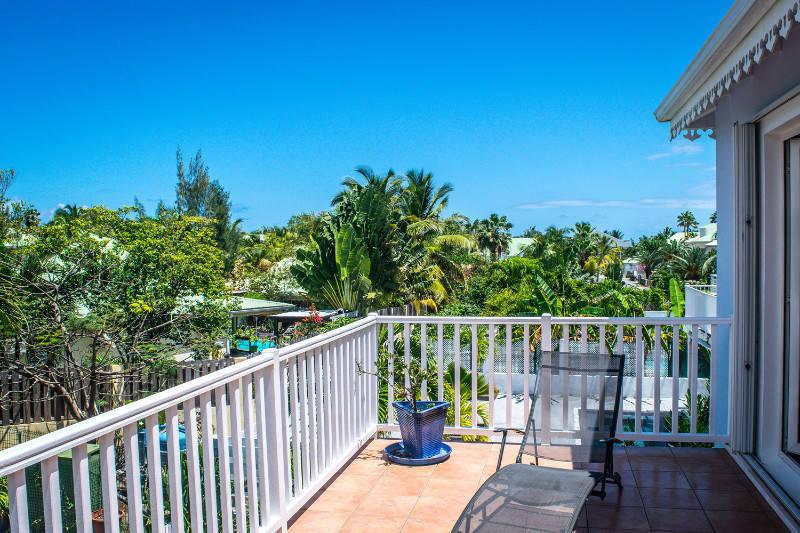 Villa individuelle avec piscine baie orientale annonce for O piscines de martin saintes