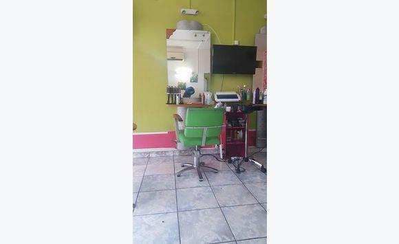 Mobilier pour salon de coiffure annonce autres - Mobilier salon de coiffure d occasion ...