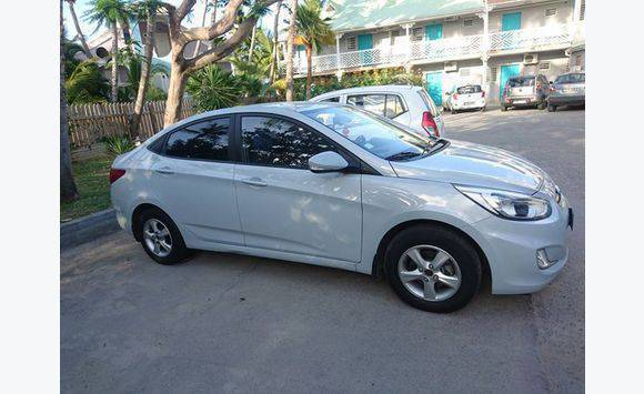 trims hyundai com you configuration wondering which accent specs is research cars our for right colors