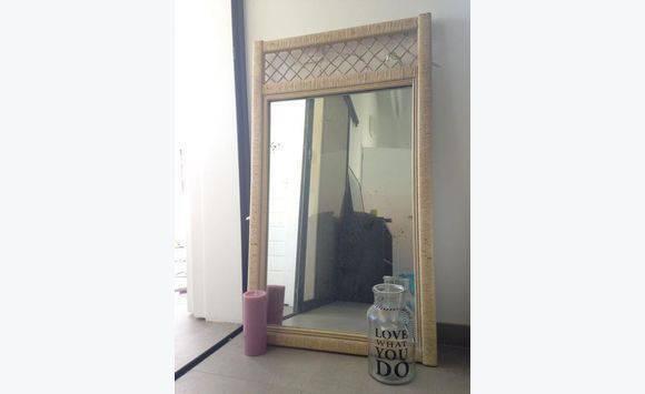 Grand miroir annonce meubles et d coration gustavia for Recherche grand miroir