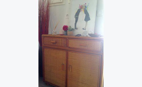 petit meuble d 39 entr e avec rangements annonce meubles. Black Bedroom Furniture Sets. Home Design Ideas