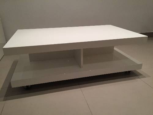 table basse import s blanc haute brillance annonce. Black Bedroom Furniture Sets. Home Design Ideas