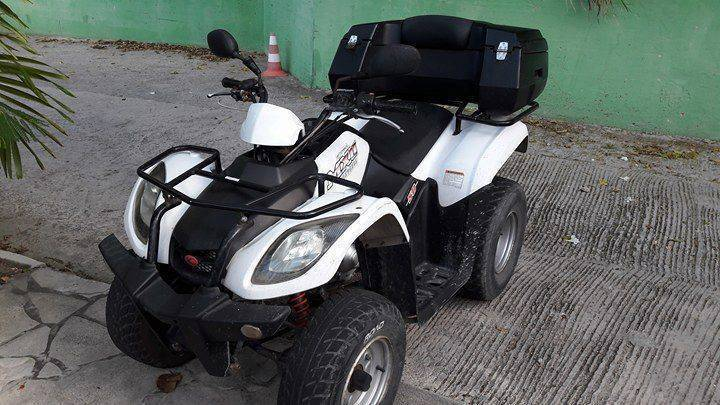 quad kymco mxu 50 annonce motos scooter quad gustavia saint barth lemy. Black Bedroom Furniture Sets. Home Design Ideas