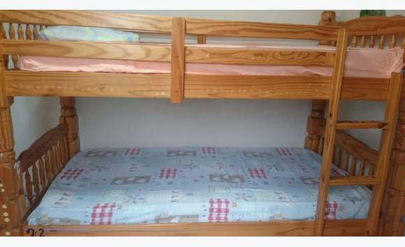 lits superpos annonce meubles et d coration marigot saint martin. Black Bedroom Furniture Sets. Home Design Ideas