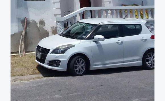 2013 White Suzuki Swift Sport
