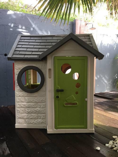 maisonnette enfant annonce jeux jouets saint martin. Black Bedroom Furniture Sets. Home Design Ideas