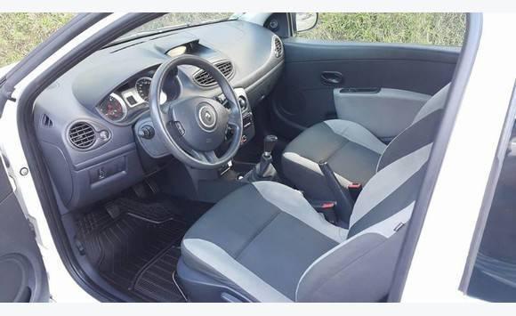 renault clio 3 1 5 dci am 2011 revision a jour annonce voitures le fran ois martinique. Black Bedroom Furniture Sets. Home Design Ideas