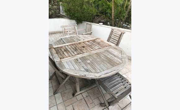 Table teck avec rallonge 4 chaises annonce mobilier for Table exterieur avec rallonge