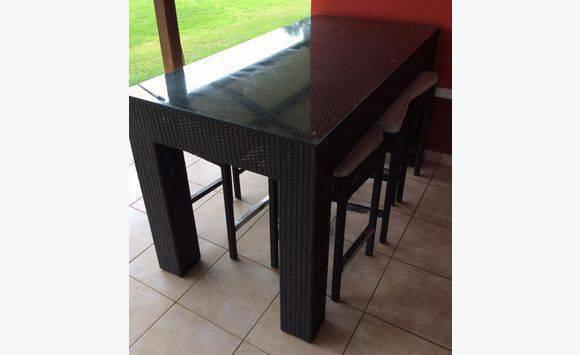 Table exterieur annonce meubles et d coration matoury for Table exterieur joli