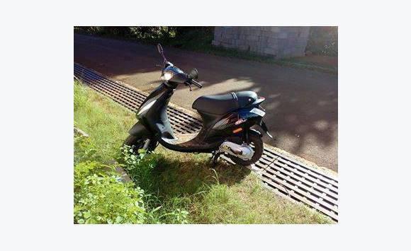 piaggio zip 50 cm3 2t annonce motos scooter quad mayotte. Black Bedroom Furniture Sets. Home Design Ideas
