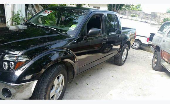 Nissan Se 4 Door Pickup Truck