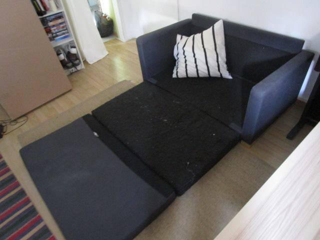 un canap convertible solsta annonce meubles et d coration guyane. Black Bedroom Furniture Sets. Home Design Ideas