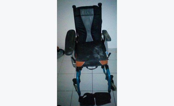 Chaise roulante annonce beaut sant bien tre for Acheter chaise roulante