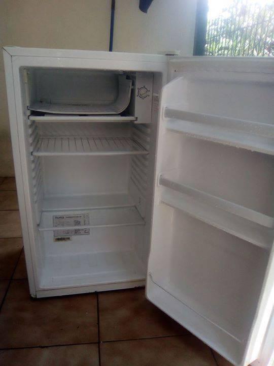 petit frigo annonce lectrom nager martinique. Black Bedroom Furniture Sets. Home Design Ideas