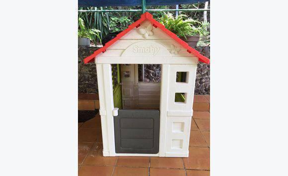 maison de jardin smoby annonce jeux jouets saint. Black Bedroom Furniture Sets. Home Design Ideas