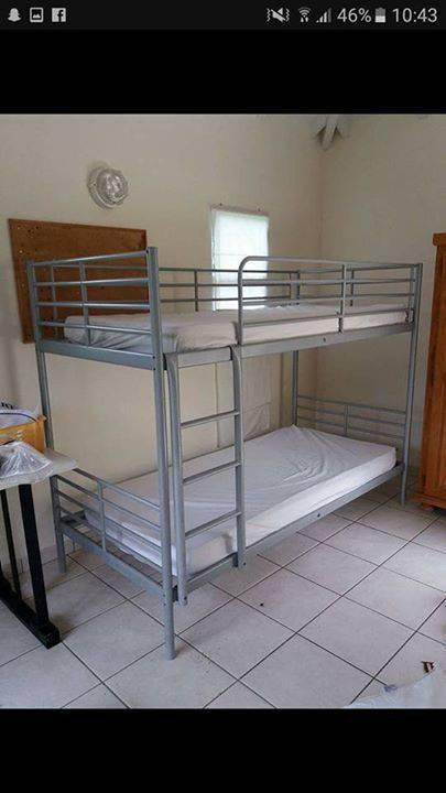 lit superpos 2 matelas annonce meubles et d coration saint barth lemy. Black Bedroom Furniture Sets. Home Design Ideas