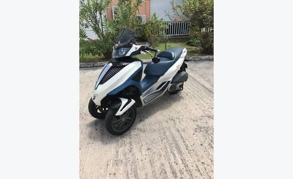 scooter mp3 yourban 300cm3 annonce motos scooter quad marigot saint martin. Black Bedroom Furniture Sets. Home Design Ideas