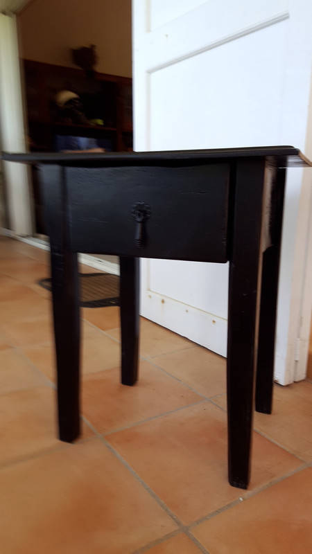 Petite table de chevet bois meubles et d coration saint for Petite table de chevet