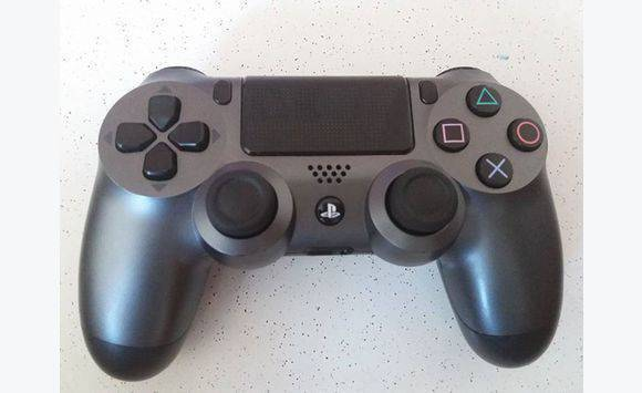 manette ps4 annonce consoles jeux vid o guadeloupe. Black Bedroom Furniture Sets. Home Design Ideas