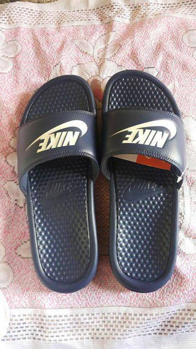 sports shoes f1bd5 7868c Nike slippers