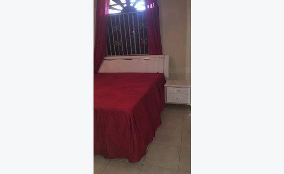 chambre coucher fauteuil annonce meubles et d coration cayenne guyane. Black Bedroom Furniture Sets. Home Design Ideas