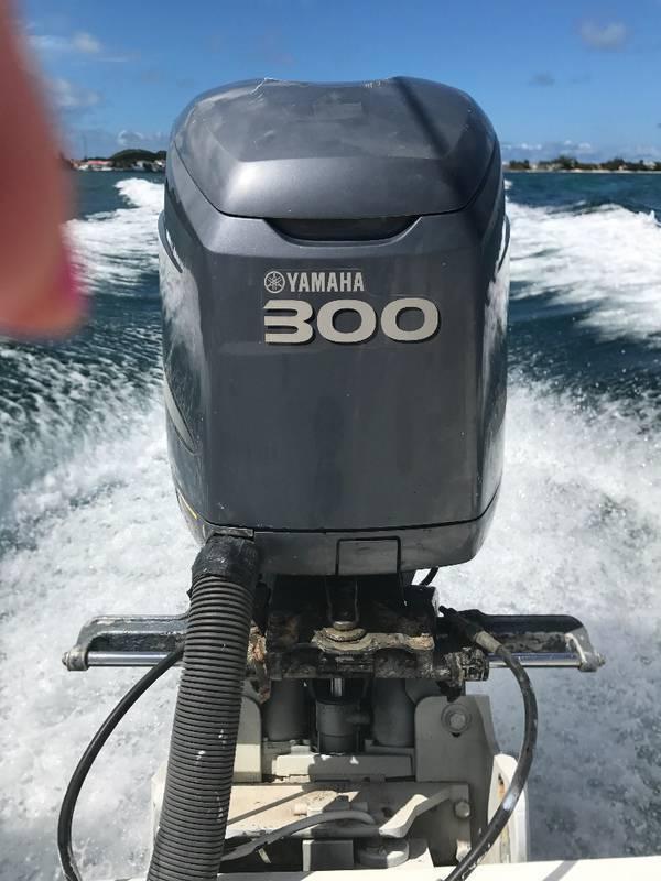 moteur bateau 300cv annonce accessoires accastillage saint martin. Black Bedroom Furniture Sets. Home Design Ideas