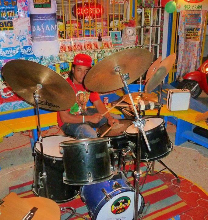 jeux de drums 2 et des cymbales pro pour pas cher. Black Bedroom Furniture Sets. Home Design Ideas