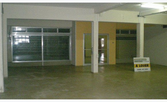 Local Commercial 130m2 A Cayenne