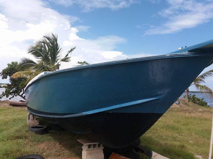 bateau de peche 21 pied a vendre