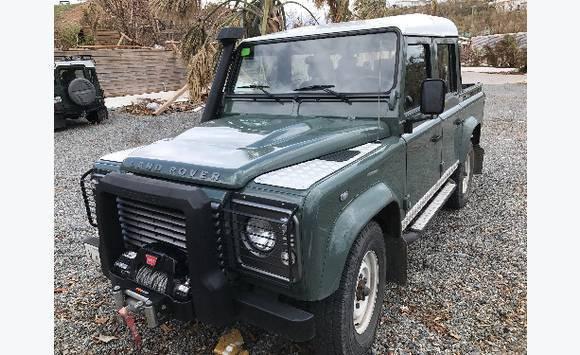 Land Rover Defender 110 pickup