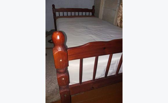 Marco de la cama de tamaño completo y colchón nuevo - Anuncio ...