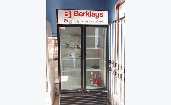 frigo pour boisson affordable frigo bar portes led with frigo pour boisson latest a la maison. Black Bedroom Furniture Sets. Home Design Ideas