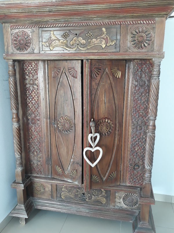 Former Indonesian Cabinet - Classified ad - Furniture and Decoration ...