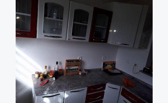 meuble cuisine complet annonce meubles et d coration cayenne guyane. Black Bedroom Furniture Sets. Home Design Ideas