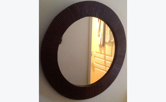 Miroir rond cadre bois annonce meubles et d coration for Cadre miroir rond
