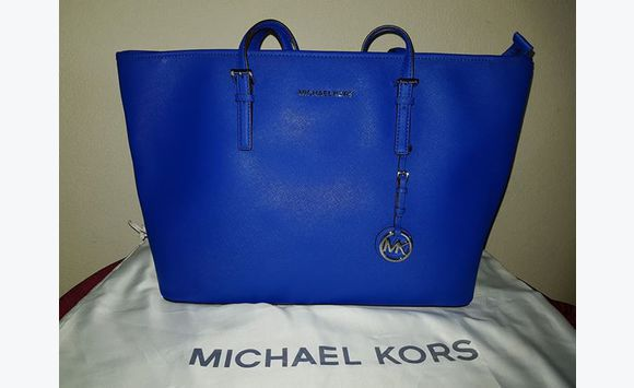 13d777b2f1ad Photo for the classified Michael Kors Jet Set Travel Medium Saffiano tote  Barbados #0 ...