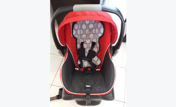 Britax Infant Carseat w/ Base