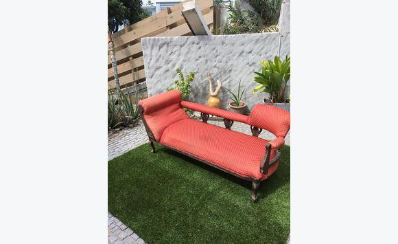 petite banquette 2 places annonce meubles et d coration saint barth lemy. Black Bedroom Furniture Sets. Home Design Ideas