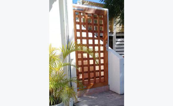 Porte de jardin mobilier et quipement d 39 ext rieur saint for Equipement exterieur