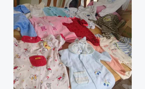 4a4dde34f9247 Vêtements bébé Mixte de 0 à 12 mois à 2 l unité - Habillement Enfant ...