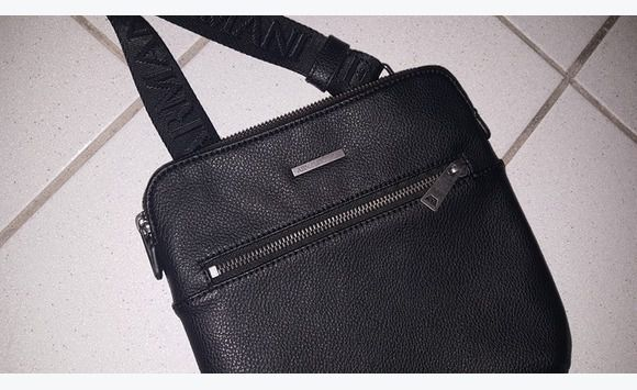 ARMANI Side Bag for Men! - Jewelry - Watches - Accessories Sint Maarten •  Cyphoma 009485ac7e385