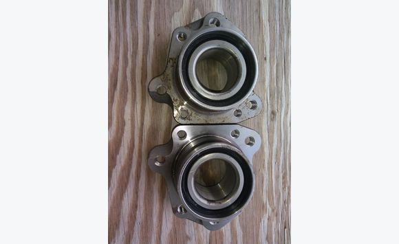 Pair of rear wheel bearings