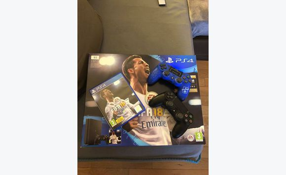 PS4 Slim 1 To + FIFA 18 Jeu PS4