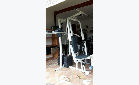 banc de musculation complet weider annonce sports hobbies guadeloupe. Black Bedroom Furniture Sets. Home Design Ideas