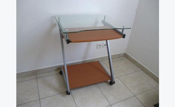 Bureau d ordinateur en bois et en verre annonce meubles et