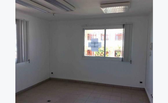 Local Prof - 40 m2 - Le Bourg - Le.